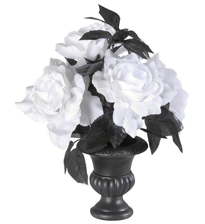 Vase m. hvide roser